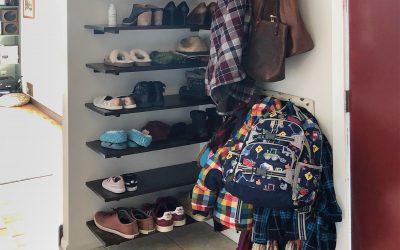 DIY Entryway Shoe Shelf